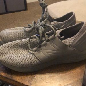 New balance sneakers men's